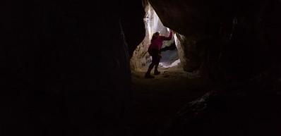 Jinshuiyan Water Cave / 金水岩
