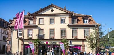 Boutique de souvenirs et office du tourisme de la Neckarmünzplatz