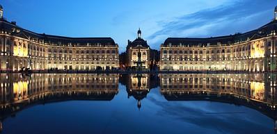 Place de la Bourse e il Miroir d'Eau