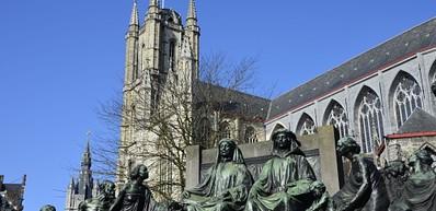 Sint-Baafskathedraal majestueus statig