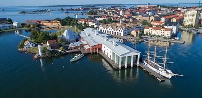 Stumholmen con el Museo Naval