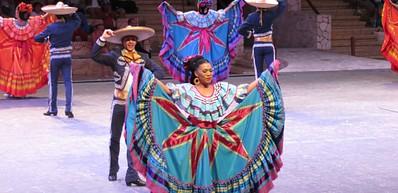 Théâtre de Cancún et musée d'art populaire mexicain