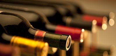 Pelican Kipos Wine Bar - Fira