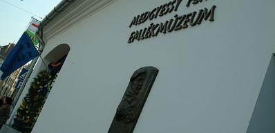 Literaturhaus Debrecen und Gedenkmuseum Ferenc Medgyessy