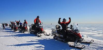 赫尔辛基群岛雪地摩托之旅