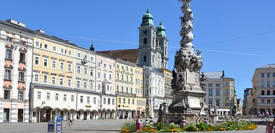 Hauptplatz Main Square & Landstraße