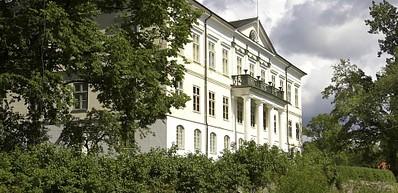Huseby Manor
