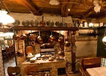 Zum Gulden Stern Historical Sausage Restaurant Nuremberg Arrivalguides Com