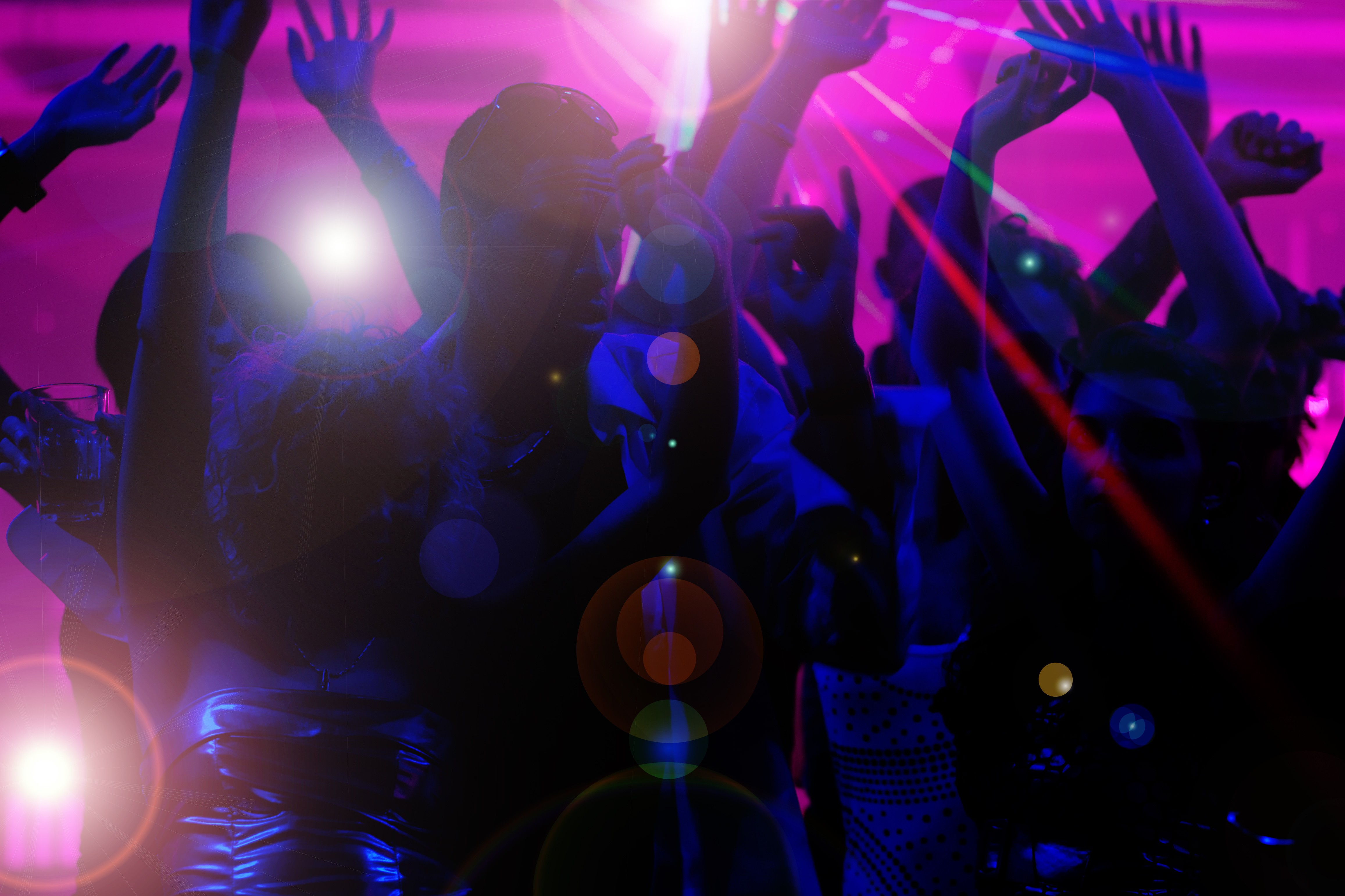 Ночной клуб ума мужской клуб холостяк красноярск