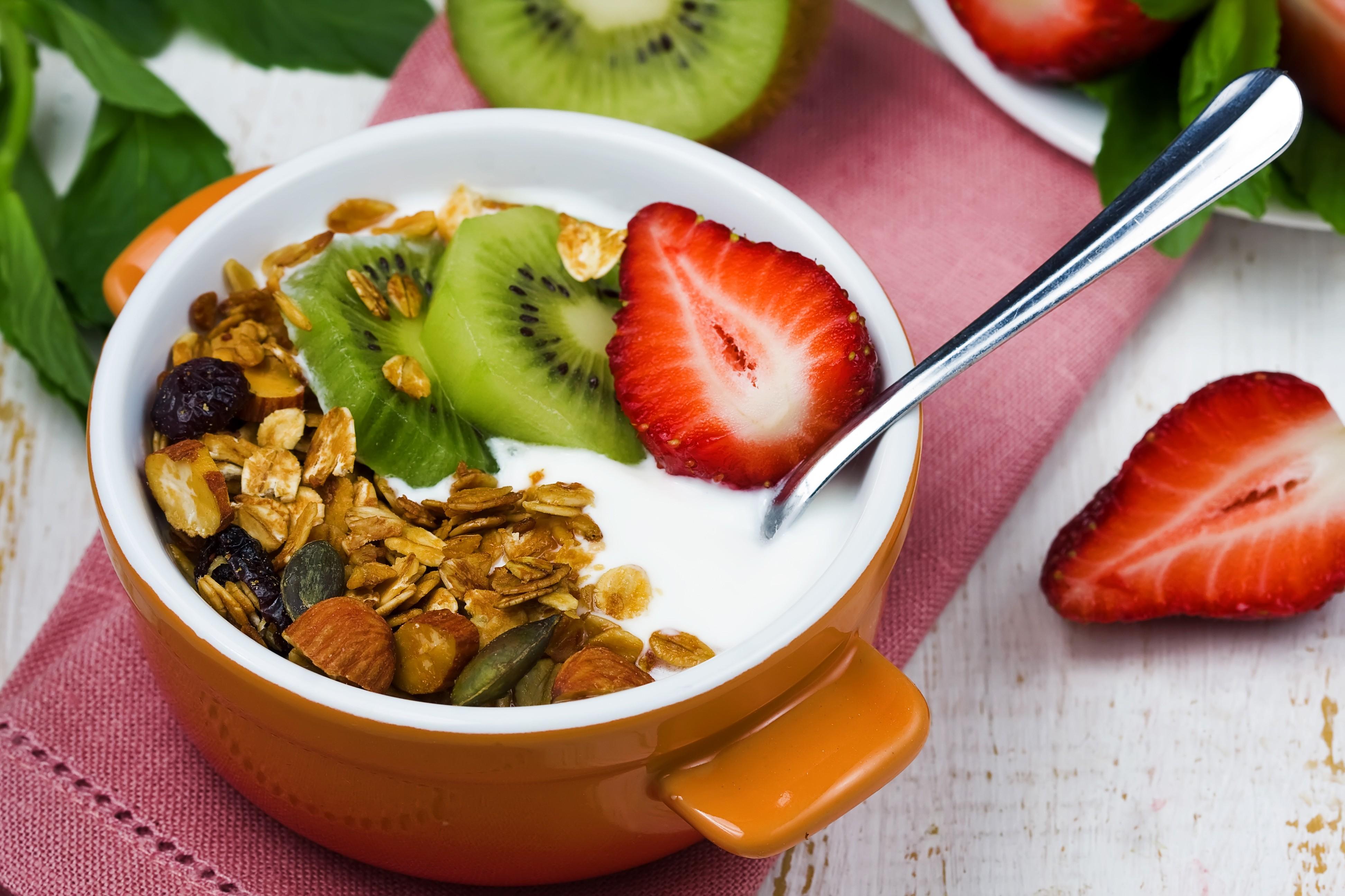 Йогурт На Ужин При Похудении. Йогуртовая диета: можно ли похудеть на йогуртах за 7 дней на 10 кг, отзывы и результаты, правила похудения для худеющих