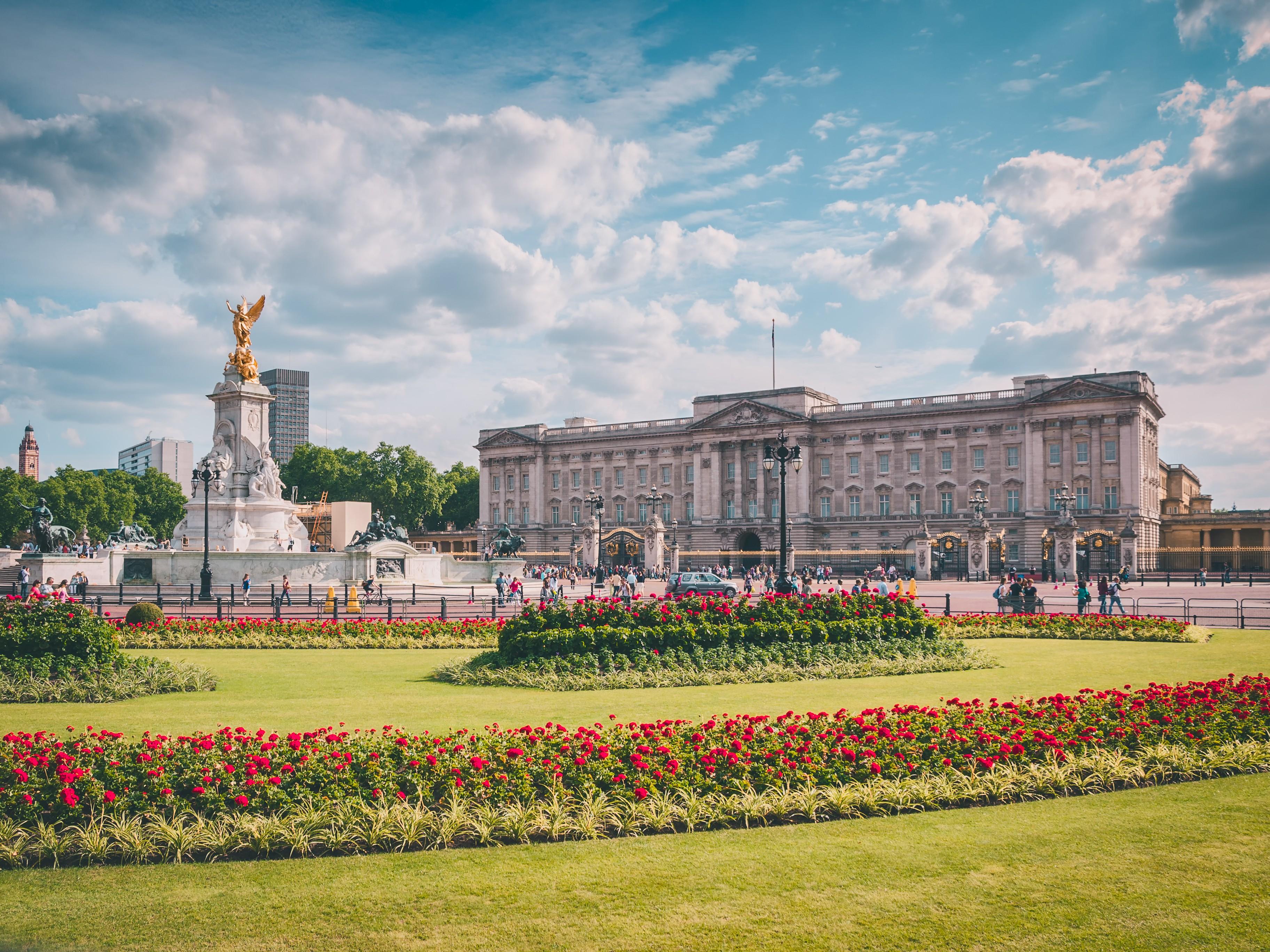 букингемский дворец в лондоне фото днях тимати выпустил